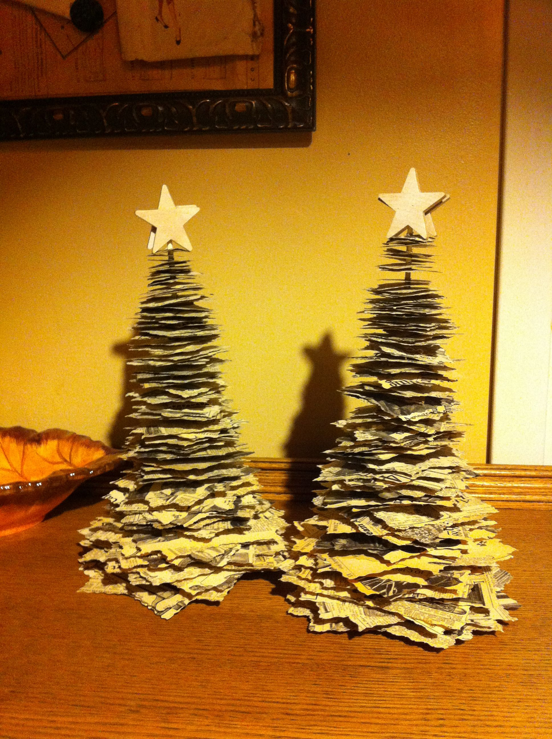 Christmas tree made out of books instructions