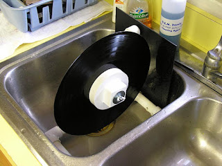 Blogger how to clean vinyl lps the right way
